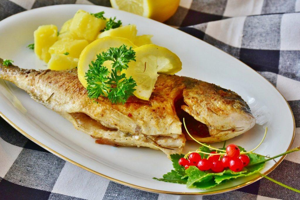 restal-hotel-fish, sea bream, potatoes